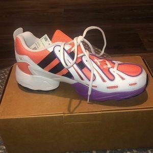 Men's adidas tennis shoe sneakers size 8.5
